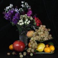 Натюрморт с фруктами 1 :: Владимир