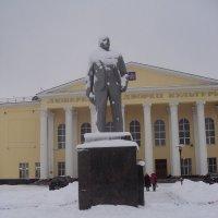 Памятник Ленину. :: Ольга Кривых
