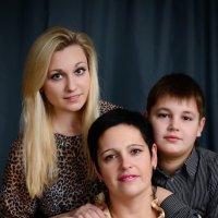 Семейный портрет :: Михаил Тарасов