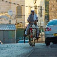 Восточный Иерусалим. Масличная гора. Вечный транспорт. :: Игорь Герман