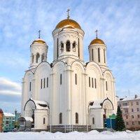 Храм в Серове :: Александр Канышев