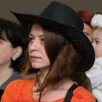 Девушка в шляпе. :: Анатолий Сидоренков