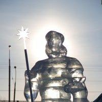 """ледяная скульптура """"Предвестник Зари"""" :: Илья Кузнецов"""