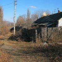 Квартира в бараке, у вдовы шахтёра Мартынова Наташа :: Анатолий Кузьмич Корнилов