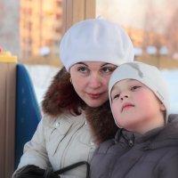 мама и сын :: Сергей Гуменюк