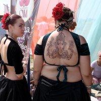 женщины бывают разные... :: Евгений Фролов