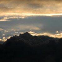 призрачные горы-облака :: Евгений Фролов