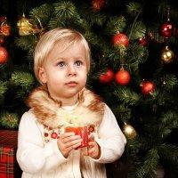 Вы зажгите свечу…К Вам слетят Чудеса, наполняя рассветами Дом… :: Наташа Родионова