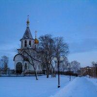 Дорога близ храма :: Павел Белоус