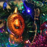 К старому Новому году фото с советской ёлочной игрушкой! :: Ольга Чазова