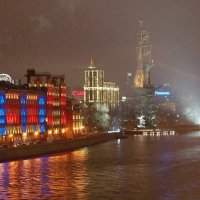 вид с патриаршего моста :: Александр Шурпаков