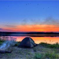 Ночёвка фотографа на озере :: Nikita Volkov