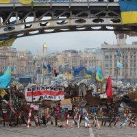 Баррикады на Майдане Независимости :: Денис Стеценко