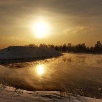 И солнце, что туман не согревает.... :: Александр | Матвей БЕЛЫЙ