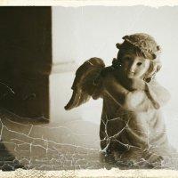 И даже ангелы спускаются с небес... :: Марина Назарова