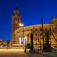 Прогулка по вечернему городу :: Николаева Наталья