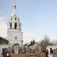 Но всё в себя вмещает человек, который любит мир и верит в Бога :: Ирина Данилова