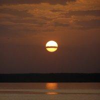 Чебоксары. Закатное солнце калёным алтыном :: Минихан Сафин