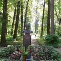 Памятник А.С.Пушкину в Захарово :: Мила