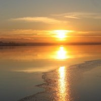 Закат на озере :: Roman Arnold