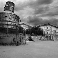 Харьков.Скейтпрак возле Оперного театра. :: Андрей Колуканов