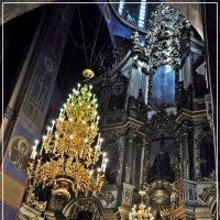 В  Храме :: Валерий Викторович РОГАНОВ-АРЫССКИЙ