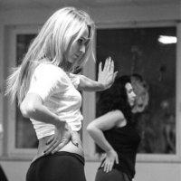 Танцовщица :: Эллина Филиппенкова