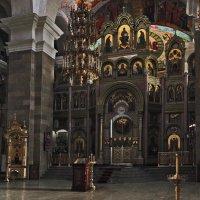 В храме Кирилла и Мефодия: Самара :: Александр Сендеров