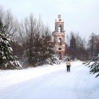 И зимой дороги ведут к храму. :: Михаил Попов