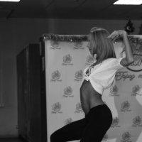 Линия тела :: Эллина Филиппенкова