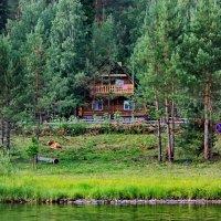 Дом у реки. :: Наталья Юрова
