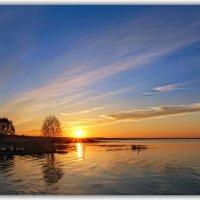 Озеро на закате :: Александр Назаров