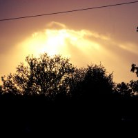 Лучи пробиваются сквозь облака :: Катерина Шурыгина