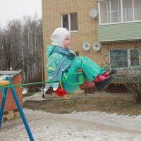 на детской площадке :: Светлана Соловьева