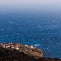 городок на побережье :: Sergey Bagach