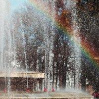 Радуга над фонтаном :: Gulfiya Sunny photos
