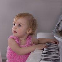 маленькая пианистка :: Елена Егорова