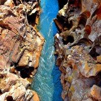 Вода камень точит :: Сергей Рычков