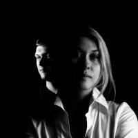 Их поглотила темнота. :: Павел Устинов