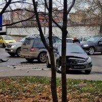 Беспокойный перекрёсток улица Московская дом 13 город Люберцы :: Ольга Кривых