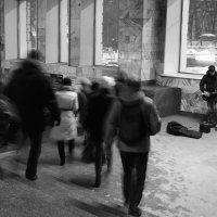 Одиночество в метро №4 :: Татьяна Белякова