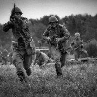 ...на пулеметы... :: Максим Бочков