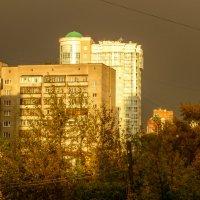 Предгрозовое солнце :: Александр Янкевич