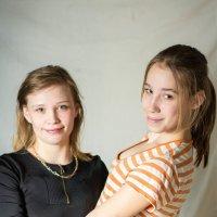 мари и ксения :: Серёга Марков