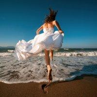 Девушка и море :: Виктор Бабинцев