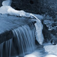 Зимний ручей :: Эдуард Цветков