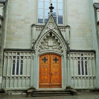 вход в протестантскую церковь :: Александр Корчемный