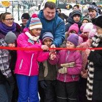 Открытие катка в посёлке :: Сергей В. Комаров