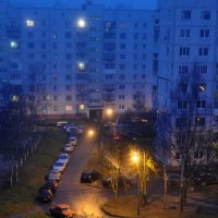 Раннее утро во дворе... :: Андрей Самуйлов