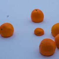 Апельсины на снегу :: Анастасия Гаврилюк